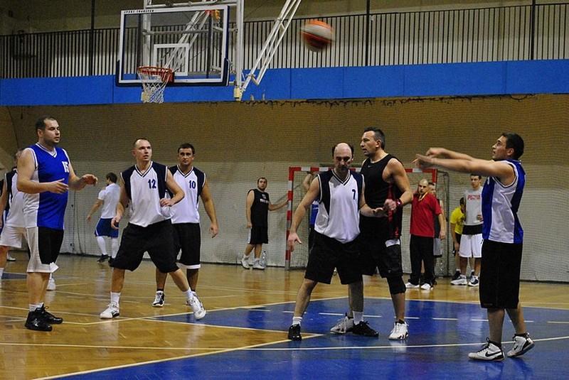 Zaciętej boje u koszykarskich amatorów