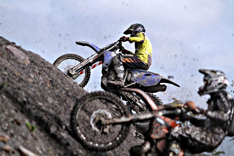 Mistrzowie motocyklów zawładną hałdami