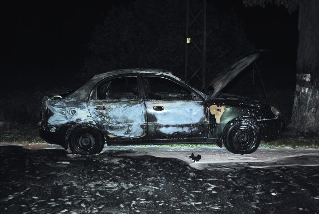 Spłonął w samochodzie