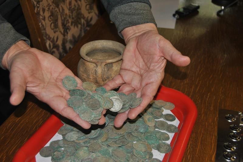Pokazali monety – ZOBACZ SKARB