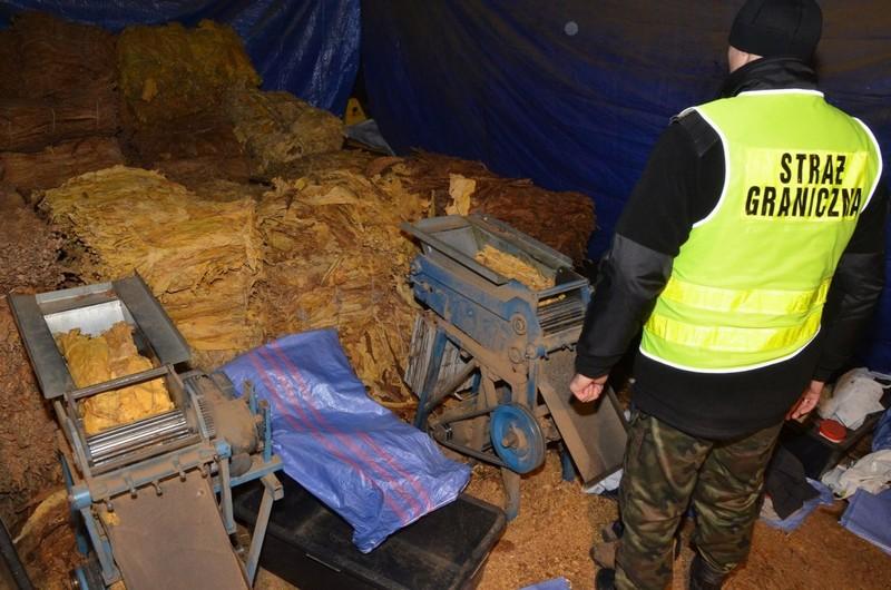 Przejęli prawie 3 tony nielegalnego towaru