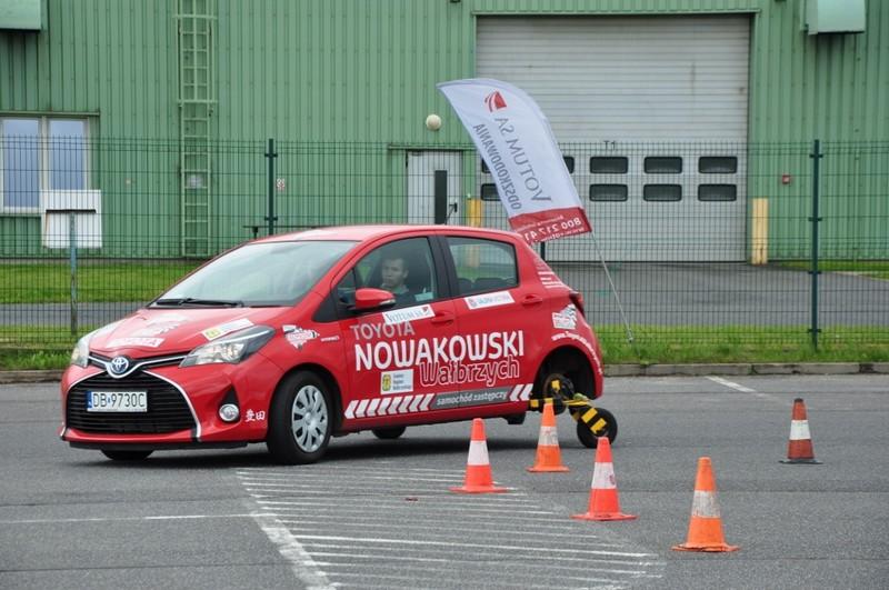 Młody kierowca może jeździć bezpiecznie