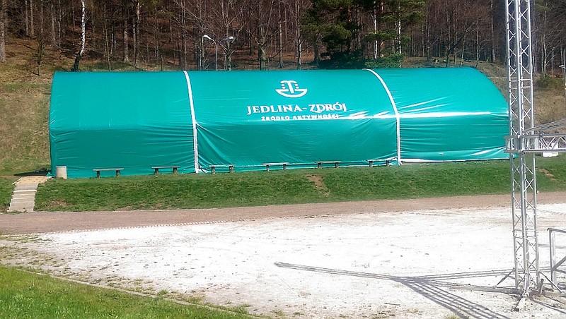 Wyremontowano halę namiotową…