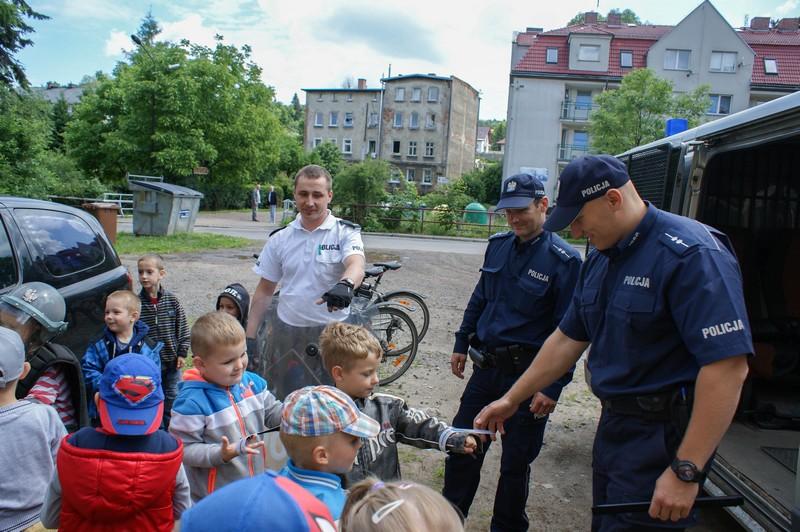 Policjanci rozmawiali z dziećmi…