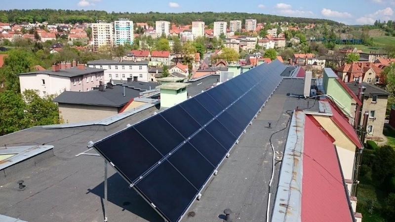 Darmowy prąd ze słonecznej elektrowni na dachu