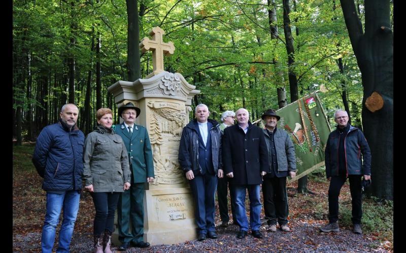 Odsłonięto kapliczkę św. Huberta