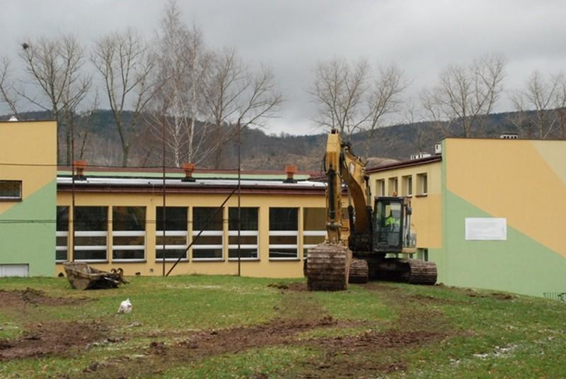 Ruszyła budowa basenu przy szkole