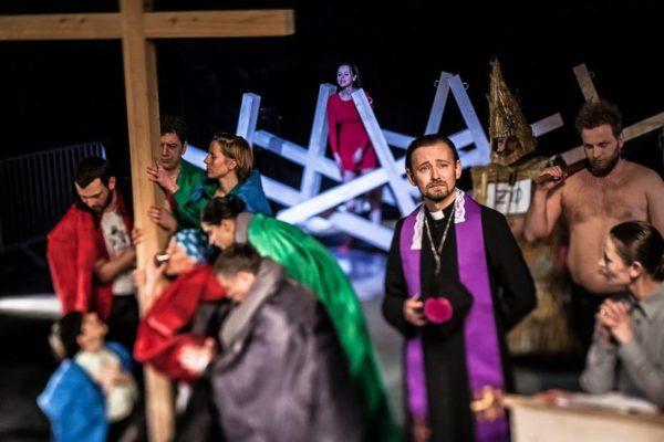 19.04.2013 Walbrzych Teatr Dramatyczny spektakl pt. Na Boga rez. Marcin Liber foto Bartlomiej Sowa