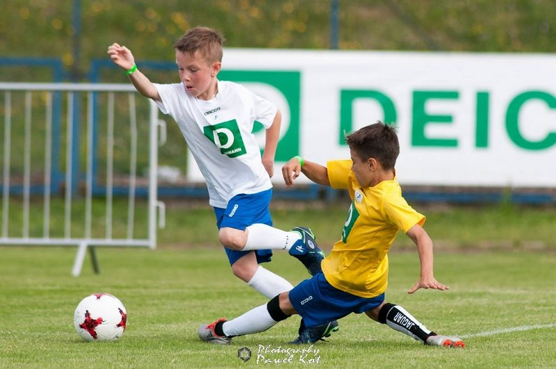 Młodzi piłkarze jak prawdziwi mistrzowie