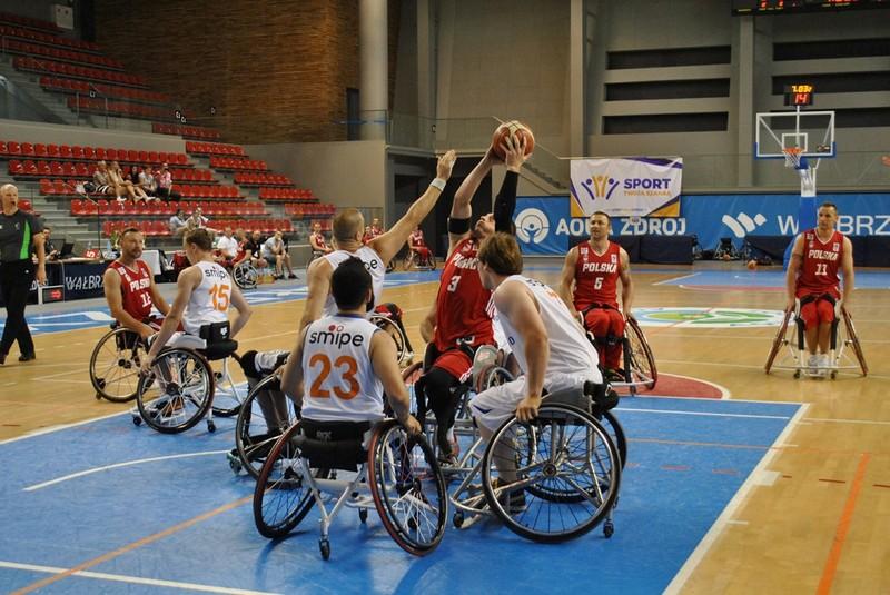Brytyjczycy wygrali turniej na wózkach