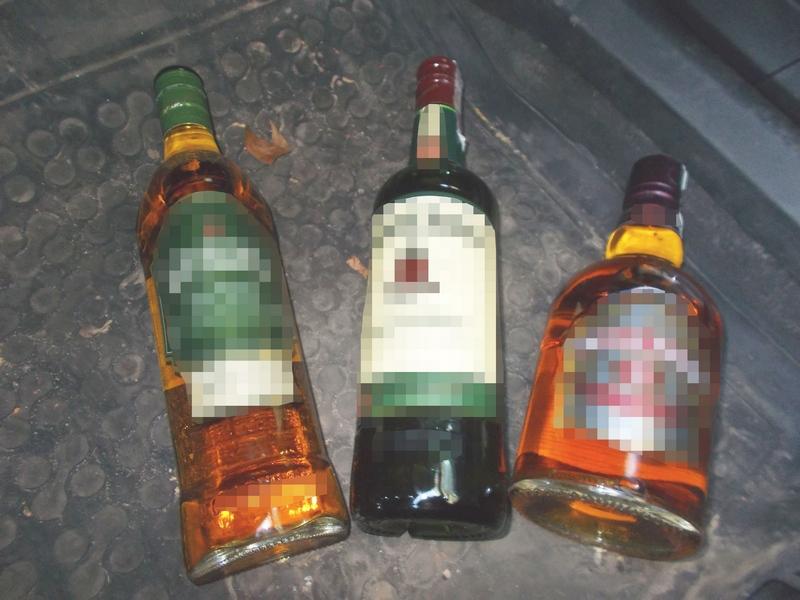 Nie napije się kradzionej whisky