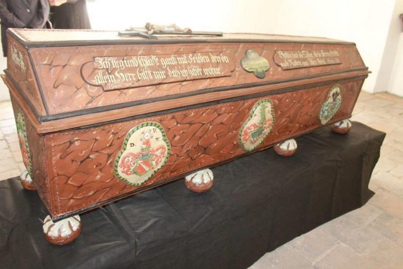 Bezcenny sarkofag odnowiony