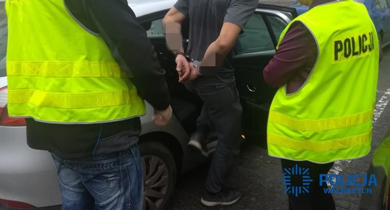 Po pościgu zatrzymali kierowcę