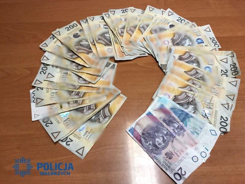 Złapali złodzieja pieniędzy i odzyskali część gotówki