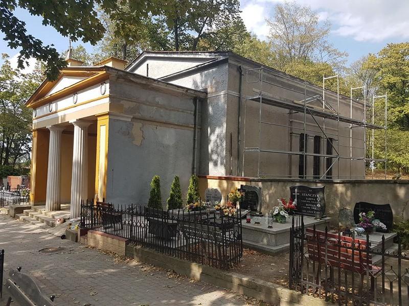 Remontują kaplicę