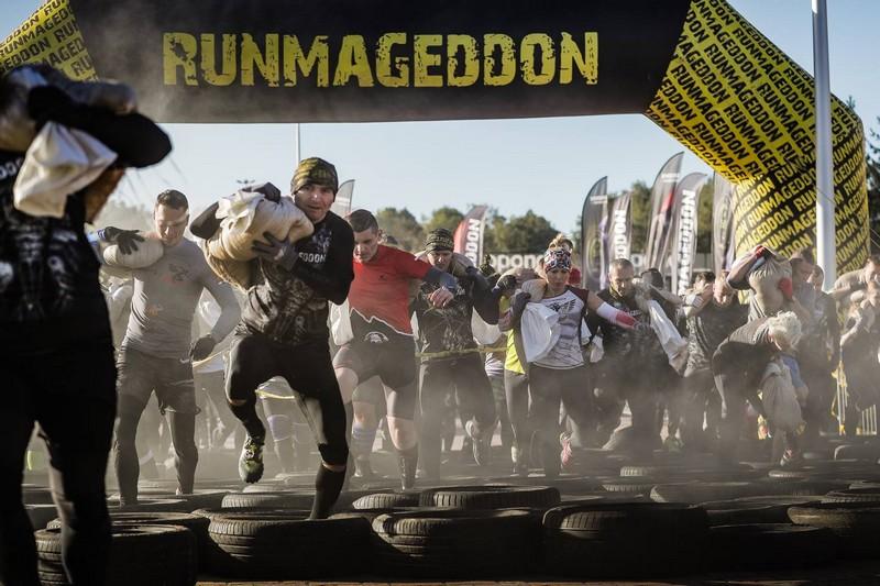 Setki osób na starcie Runmageddonu Wałbrzych