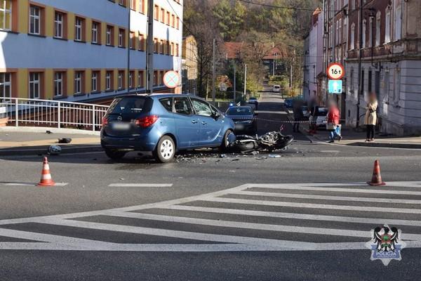 Przerażający wypadek motocyklisty