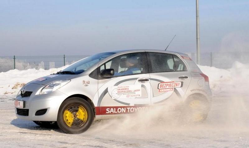 Zima to świetny trening dla kierowcy