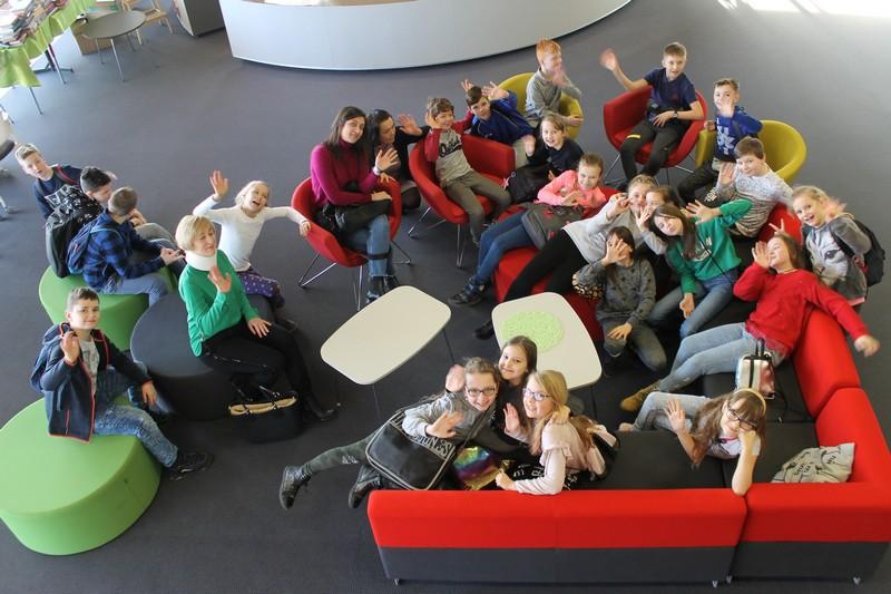 Młodzi wałbrzyszanie w bibliotece