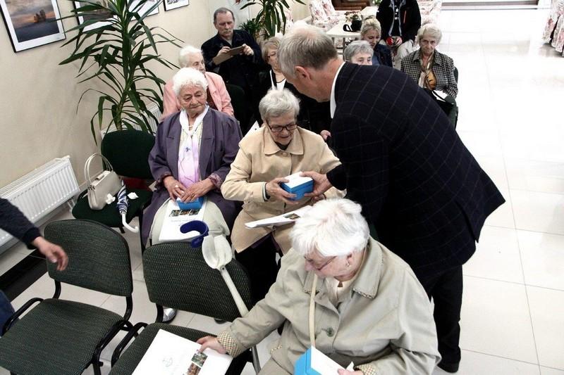 Seniorzy mogą czuć się bezpieczniej